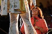 USA Nordamerika Memphis Tennessee Images of the King Contest ..About 70 international Elvis Presley  inpersonators perform 5 nights at the annual Images of the King Contest in Memphis Tennessee the audience is mostly female ..Elvis Presley Wettbewerb 2006 jedes Jahr im August singen ca  70 internationale Elvis Interpreten 5 Tage lang in Memphis um die Wette Das Publikum besteht vorwiegend aus Frauen .