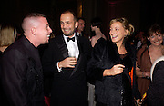Alexander Mcqueen, Max Wigram and Phoebe Philo, British Fashion Awards, V. & A. Museum. 2 November 2004. ONE TIME USE ONLY - DO NOT ARCHIVE  © Copyright Photograph by Dafydd Jones 66 Stockwell Park Rd. London SW9 0DA Tel 020 7733 0108 www.dafjones.com