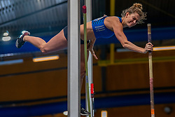 Femke Pluim in action on pole vault during the Dutch Indoor Athletics Championship on February 23, 2020 in Omnisport De Voorwaarts, Apeldoorn