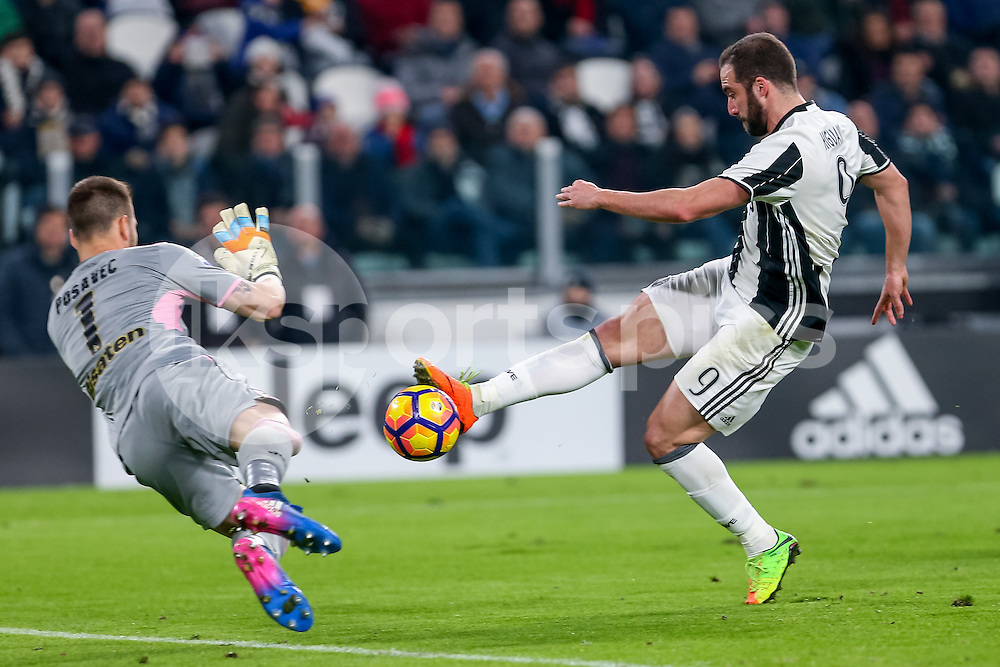 Gonzalo Higuaín of Juventus during the Serie A match between Juventus and Palermo at the Juventus Stadium, Turin, Italy on 17 February 2017. Photo by Marco Canoniero.