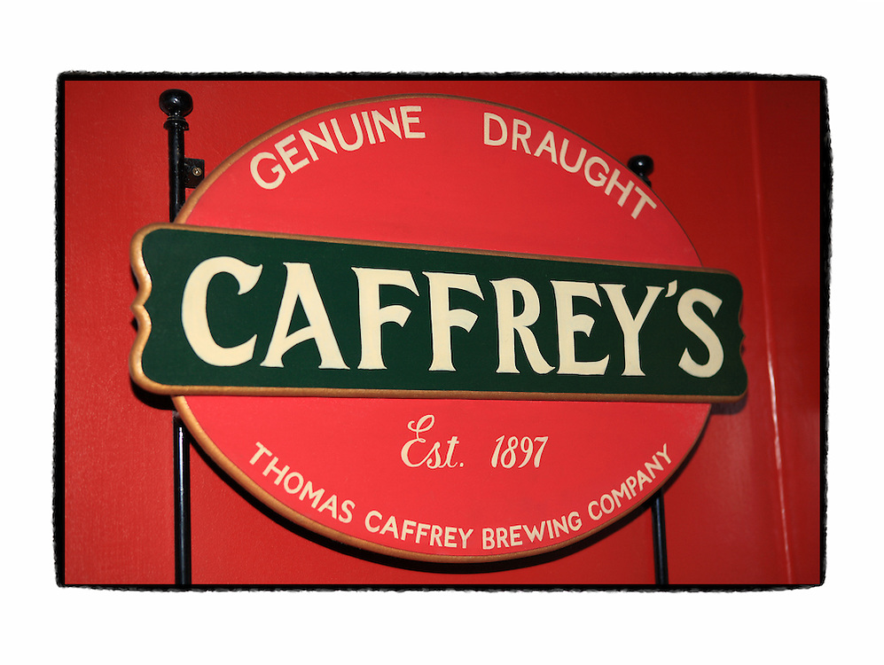 Caffreys Sign O'Briens Pub - London UK - Artist Designed Custom Border