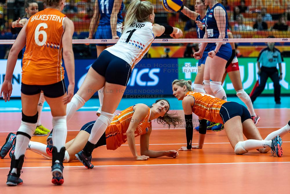 19-10-2018 JPN: Semi Final World Championship Volleyball Women day 18, Yokohama<br /> Serbia - Netherlands / Kirsten Knip #1 of Netherlands, Anne Buijs #11 of Netherlands, Laura Dijkema #14 of Netherlands