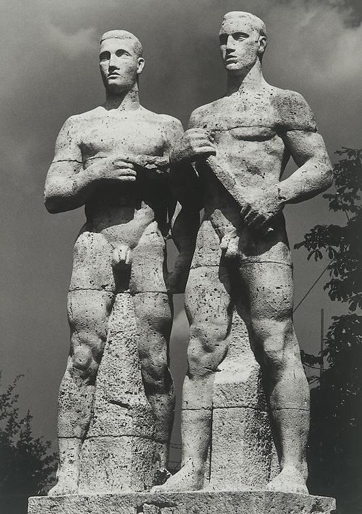 Ubermenschen, 1936, Berlin