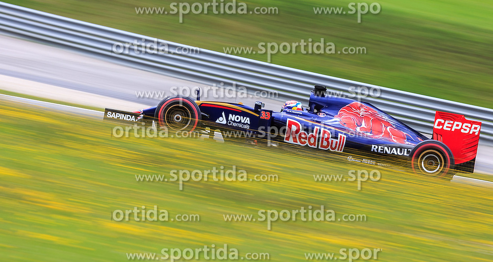 19.06.2015, Red Bull Ring, Spielberg, AUT, FIA, Formel 1, Grosser Preis von Österreich, Training, im Bild Max Verstappen, (NED, Scuderia Toro Rosso) // during the Practice of the Austrian Formula One Grand Prix at the Red Bull Ring in Spielberg, Austria, 2015/06/19, EXPA Pictures © 2014, PhotoCredit: EXPA/ JFK