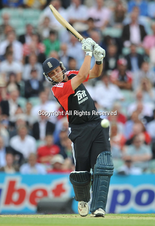 28.06.2011 One Day International Cricket from the Kia Oval in London. England v Sri Lanka. Trott hits a straight 4 off of Lakmal.