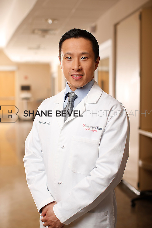1/14/16 6:14:23 PM --  Warren Clinic Plastic Surgeons. <br /> <br /> Photo by Shane Bevel