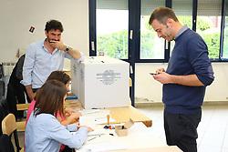 ANDREA BALDINI AL VOTO NEL SEGGIO DI ARGENTA<br /> ELEZIONI AMMINISTRATIVE 2019