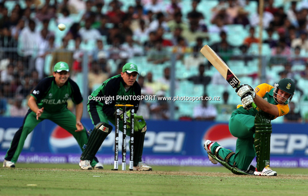 South African batsman Colin Ingram plays a shot against Ireland during the ICC Cricket World Cup - 34th Match, Group B South Africa vs Ireland Played at Eden Gardens, Kolkata, 15 March 2011 - day/night