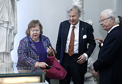 April 27, 2017 - Stockholm, Sweden - King Carl XVI Gustaf, Elisabeth and Gustaf Douglas who sponsored the competition opened the drawing competition ''The Thinking Hand'' at Gustav III Antique Museum, the Royal Palace. The Thinking Hand is a competition for younger professionals working with visual design, organizer the Royal Court in cooperation with the Royal Academy of the Free Arts (Konstakademien). Ten selected young artists are exhibited,..Stockholm, Sweden, 2017-04-27..(c) Patrik C Osterberg / IBL (Credit Image: © Patrik ÖSterberg/IBL via ZUMA Press)