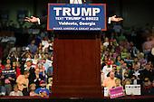 160229-NYT Trump Rally in Valdosta