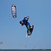 Kiteboarding Triple-S