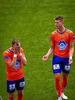 1. divisjon fotball 2018: Aalesund - Åsane (1-0). Aalesunds Aron Elís Thrándarson (t.v.) og Holmbert Fridjonsson etter en sjanse i kampen i 1. divisjon i fotball mellom Aalesund og Åsane på Color Line Stadion.