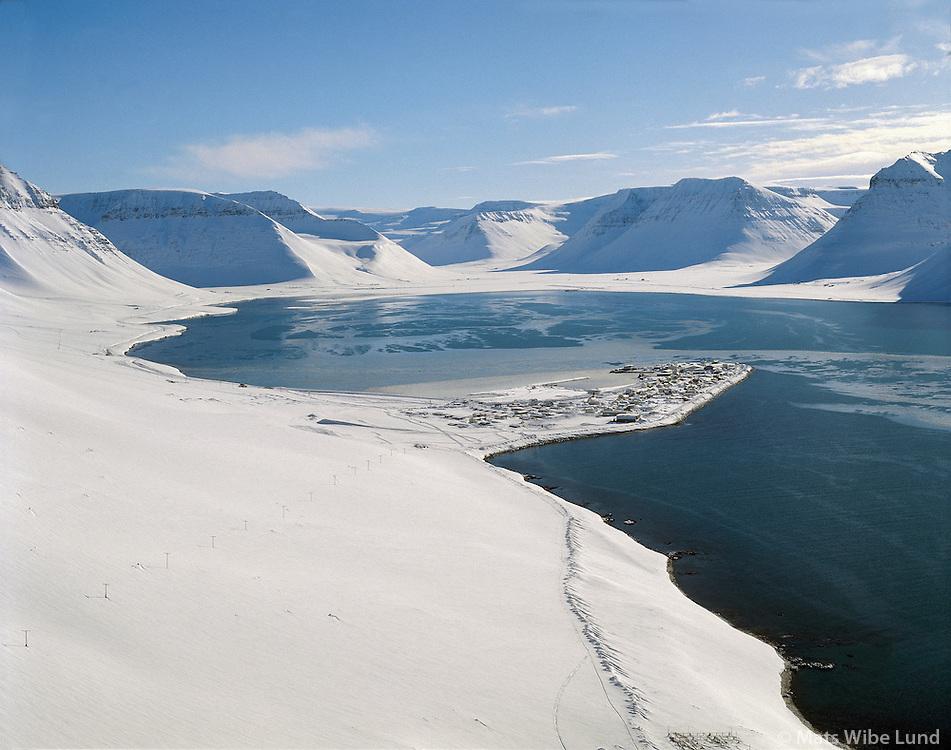 Flateyri fyrir snjófloðið. Önundarfjörður.Flateyri winter view from before the avalanche. Onundarfjordur