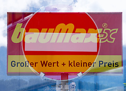 THEMENBILD - BauMaxx Kette, im Bild das Logo der insolventen BauMaxx - Kette, aufgenommen am 20.09.2015 in Neurum, Österreich // the logo of the insolvent group BauMaxx in Neurum, Austria on 2015/09/20. EXPA Pictures © 2015, PhotoCredit: EXPA/ Jakob Gruber