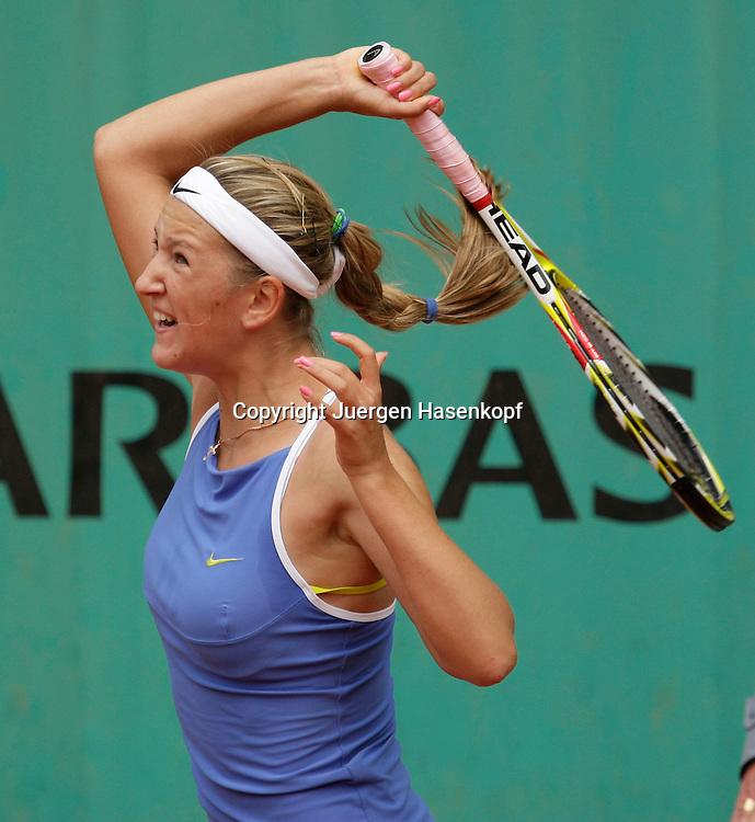 French Open 2009, Roland Garros, Paris, Frankreich,Sport, Tennis, ITF Grand Slam Tournament, .Victoria Azarenka (BLR) spielt eine Vorhand,forehand,action,Schlagende...Foto: Juergen Hasenkopf..