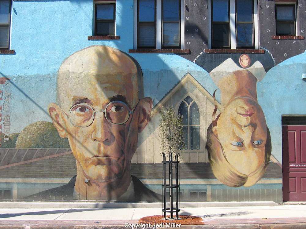 American Gothic mural painted on a wall in Columbus, Ohio.