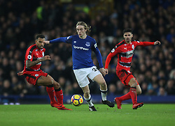 Tom Davies of Everton (C) in action - Mandatory by-line: Jack Phillips/JMP - 02/12/2017 - FOOTBALL - Goodison Park - Liverpool, England - Everton v Huddersfield Town - English Premier League