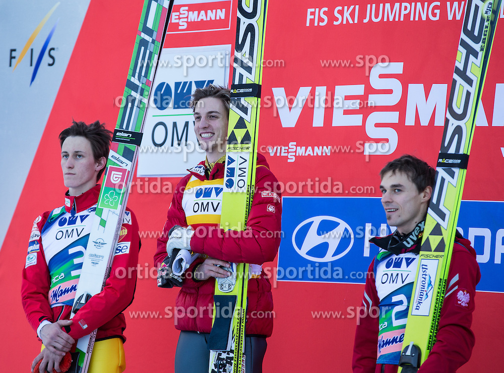 22.03.2013, Planica, Kranjska Gora, SLO, FIS Ski Sprung Weltcup, Skifliegen, Podium, im Bild v.l.n.r. Peter Prevc (SLO, 2. Platz), Gregor Schlierenzauer (AUT, 1. Platz) und Piotr Zyla (POL, 3. Platz) // f.l.t.r. 2ndplace Peter Prevc of Slovenia, 1st place Gregor Schlierenzauer of Austria and 3th place Piotr Zyla of Poland celebrate on podium during the FIS Skijumping Worldcup Individual Flying Hill, Planica, Kranjska Gora, Slovenia on 2013/03/22. EXPA Pictures © 2012, PhotoCredit: EXPA/ Johann Groder