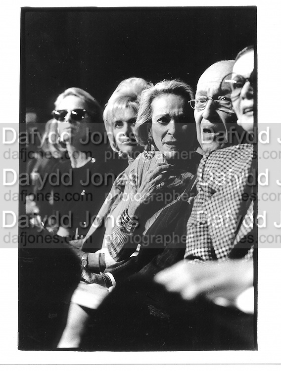 Anne Bass, Ivana Trump, Nan Kempner and Jerome Zipkin. Carolyne Roehme fashion show. Plaza. NY. 4 March 1990. © Copyright Photograph by Dafydd Jones 66 Stockwell Park Rd. London SW9 0DA Tel 020 7733 0108 www.dafjones.com