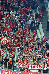 10.04.2013, Juventus Stadium, Turin, ITA, UEFA Champions League, Juventus Turin vs FC Bayern Muenchen, Viertelfinale, Rueckspiel, im Bild Fans FC Bayern Muenchen // during the UEFA Champions League best of eight 2nd leg match between Juventus FC and FC Bayern Munich at the Juventus Stadium, Torino, Italy on 2013/04/10. EXPA Pictures © 2013, PhotoCredit: EXPA/ Eibner/ Global..***** ATTENTION - AUSTRIA ONLY *****