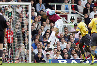 Photo: Paul Thomas.<br /> West Ham United v Arsenal. The Barclays Premiership. 24/09/2005.<br /> <br /> West Ham's Bobby Zamora has a chance to win the match with a late goal but puts it wide.