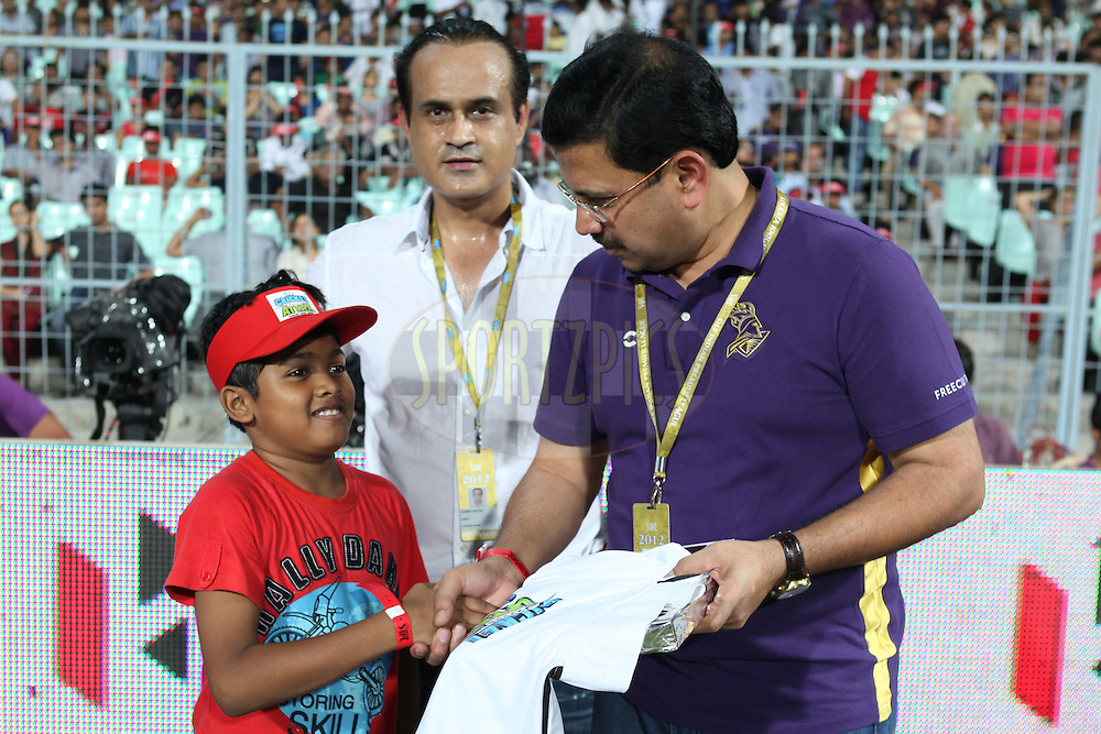 Cricket Attax winner got the award from KKR co-owner Venky during match 63 of the the Indian Premier League ( IPL) 2012  between The Kolkata Knight Riders and The Chennai Superkings held at the Eden Gardens Stadium in Kolkata on the 14th May 2012..Photo by Saikat Das/IPL/SPORTZPICS
