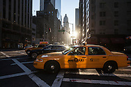 New York Manhattan traffic on 57th street  / Circulation automobile sur la 57em rue