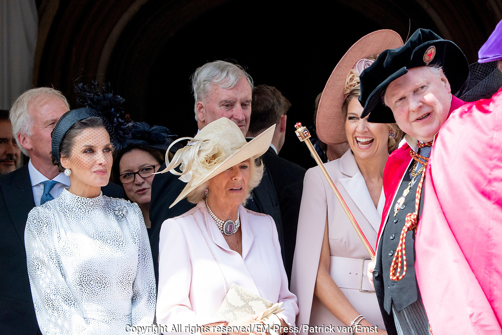 "Koning Willem Alexander wordt door Hare Majesteit Koningin Elizabeth II geïnstalleerd in de 'Most Noble Order of the Garter'. Tijdens een jaarlijkse ceremonie in St. Georgekapel, Windsor Castle, wordt hij geïnstalleerd als 'Supernumerary Knight of the Garter'.<br /> <br /> King Willem Alexander is installed by Her Majesty Queen Elizabeth II in the ""Most Noble Order of the Garter"". During an annual ceremony in St. George's Chapel, Windsor Castle, he is installed as ""Supernumerary Knight of the Garter"".<br /> <br /> Op de foto / On the photo:  Koning Willem Alexander en Koningin Maxima met prins William van Cambridge en Catherine, hertogin van Cambridge<br /> <br /> King Willem Alexander and Queen Maxima with Prince William of Cambridge and Catherine, Duchess of Cambridge"