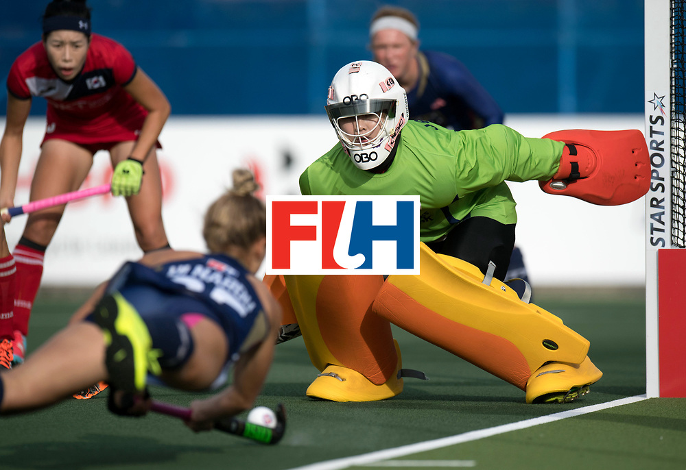 AUCKLAND - Sentinel Hockey World League final women<br /> Match id 10291<br /> USA v KOR (Pool A)<br /> Foto: Soo focussend as Nardo Casey Di push 90 degrees.<br /> Ji Jang (Gk) f.<br /> WORLDSPORTPICS COPYRIGHT FRANK UIJLENBROEK