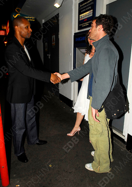 04.05.2006. LONDON<br /> <br /> CELEBRITIES IN CENTRAL LONDON<br /> <br /> BYLINE: EDBIMAGEARCHIVE.CO.UK<br /> <br /> *THIS IMAGE IS STRICTLY FOR UK NEWSPAPERS AND MAGAZINES ONLY*<br /> *FOR WORLD WIDE SALES AND WEB USE PLEASE CONTACT EDBIMAGEARCHIVE.CO.UK - 0208 954 5968*