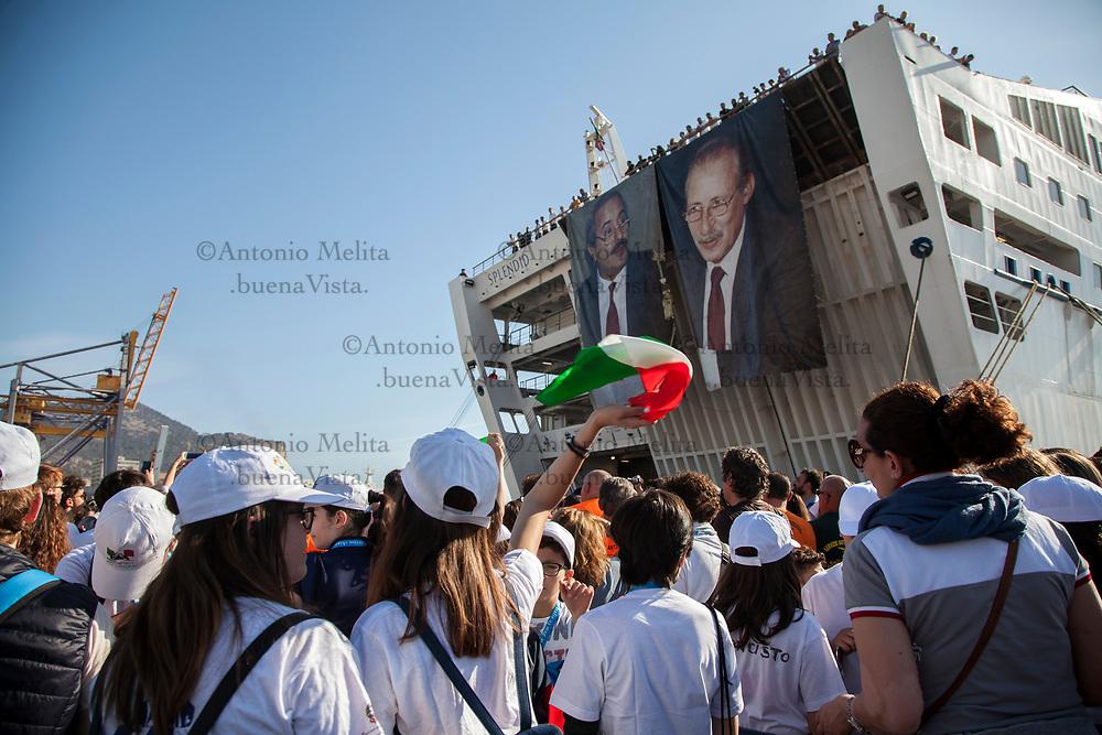 L'arrivo della nave della legalità al porto di Palermo in occasione del 25° anniversario della strage di Capaci.