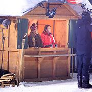 DUI/Hinterzarten/20130212 - Opname Vliegende Hollanders 2013 - Sterren van de Schans, Juryleden Patty Brard en Peter van Hal met Gerard Joling en Tess Milne
