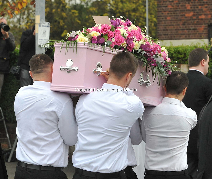 THE FUNERAL SERVICE OF KIRSTY HOWARD THE MANCHESTER BORN FUNDRASER HAS TAKEN PLACE TODAY.....HUNDREDS OF MOURNERS LINED THE STREETS OF MANCHESTER WHERE SHE GREW UP, <br /> ©Exclusivepix Media