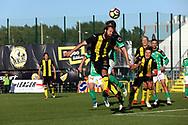 3.9.2017, Tapiolan Urheilupuisto, Espoo.<br /> Ykkönen 2017.<br /> FC Honka - Kokkolan Pallo-Veikot.<br /> Konsta Rasimus (Honka) puskee.