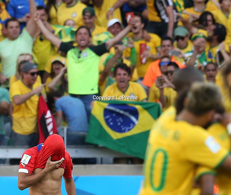 Foto Spada - LaPresse<br /> 28 06 2014 Stadio Minerao , Belo Horizonte (Brasile)<br /> sport calcio<br /> Mondiali di Calcio 2014 Brasile vs Cile <br /> nella foto: sanchez <br /> <br /> Photo Spada - LaPresse<br /> 28 06 2014 Minerao Stadium, Belo Horizonte (Brazil)<br /> sport soccer<br /> Brazil World Cup 2014, Brazil vs Chile<br /> in the picture: sanchez