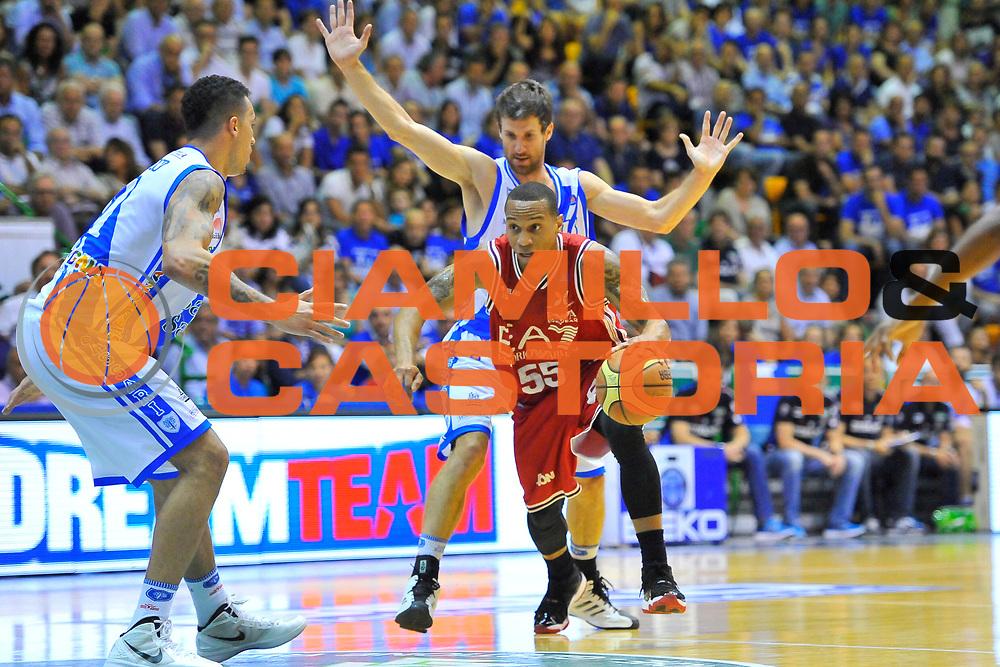 DESCRIZIONE : Campionato 2013/14 Semifinale GARA6 Dinamo Banco di Sardegna Sassari - Olimpia EA7 Emporio Armani Milano<br /> GIOCATORE : Curtis Jerrells<br /> CATEGORIA : Palleggio Penetrazione<br /> SQUADRA : Olimpia EA7 Emporio Armani Milano<br /> EVENTO : LegaBasket Serie A Beko Playoff 2013/2014<br /> GARA : Dinamo Banco di Sardegna Sassari - Olimpia EA7 Emporio Armani Milano<br /> DATA : 09/06/2014<br /> SPORT : Pallacanestro <br /> AUTORE : Agenzia Ciamillo-Castoria / Luigi Canu<br /> Galleria : LegaBasket Serie A Beko Playoff 2013/2014<br /> Fotonotizia : DESCRIZIONE : Campionato 2013/14 Semifinale GARA6 Dinamo Banco di Sardegna Sassari - Olimpia EA7 Emporio Armani MilanoSassari<br /> Predefinita :