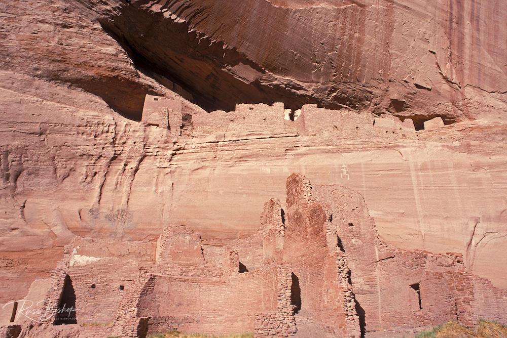 White House Ruin in Canyon de Chelly, Canyon de Chelly National Monument, Arizona.
