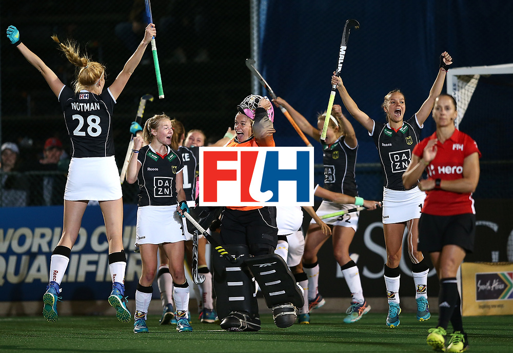 JOHANNESBURG, SOUTH AFRICA - JULY 20:  Germany players celebrate at the final whistle after victory during day 7 of the FIH Hockey World League Women's Semi Finals semi final match between Germany and Argentina at Wits University on July 20, 2017 in Johannesburg, South Africa.  (Photo by Jan Kruger/Getty Images for FIH)