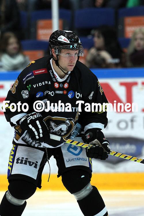 6.10.2012, Ritari Areena, H?meenlinna..J??kiekon SM-liiga 2012-13. HPK - K?rp?t..Mikko Lehtonen - K?rp?t