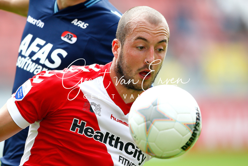 Onderwerp/Subject: FC Utrecht - Eredivisie<br /> Reklame:  <br /> Club/Team/Country: <br /> Seizoen/Season: 2013/2014<br /> FOTO/PHOTO: Steve DE RIDDER of FC Utrecht in duel. (Photo by PICS UNITED)<br /> <br /> Trefwoorden/Keywords: <br /> #04 $94 &plusmn;1371811811150<br /> Photo- &amp; Copyrights &copy; PICS UNITED <br /> P.O. Box 7164 - 5605 BE  EINDHOVEN (THE NETHERLANDS) <br /> Phone +31 (0)40 296 28 00 <br /> Fax +31 (0) 40 248 47 43 <br /> http://www.pics-united.com <br /> e-mail : sales@pics-united.com (If you would like to raise any issues regarding any aspects of products / service of PICS UNITED) or <br /> e-mail : sales@pics-united.com   <br /> <br /> ATTENTIE: <br /> Publicatie ook bij aanbieding door derden is slechts toegestaan na verkregen toestemming van Pics United. <br /> VOLLEDIGE NAAMSVERMELDING IS VERPLICHT! (&copy; PICS UNITED/Naam Fotograaf, zie veld 4 van de bestandsinfo 'credits') <br /> ATTENTION:  <br /> &copy; Pics United. Reproduction/publication of this photo by any parties is only permitted after authorisation is sought and obtained from  PICS UNITED- THE NETHERLANDS