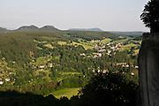 Blick von Festung Koenigstein auf Pfaffendorf, Saechsische Schweiz, Elbsandsteingebirge, Sachsen, Deutschland.|.view from Fort Koenigstein, Saxony, Germany