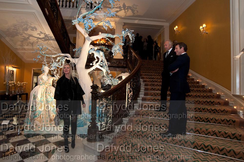 AMANDA WAKELEY; HAROLD TILLMAN; HUGH MORRISON, Unveiling of the Dior Christmas Tree by John Galliano at Claridge's. London. 1 December 2009 *** Local Caption *** -DO NOT ARCHIVE-© Copyright Photograph by Dafydd Jones. 248 Clapham Rd. London SW9 0PZ. Tel 0207 820 0771. www.dafjones.com.<br /> AMANDA WAKELEY; HAROLD TILLMAN; HUGH MORRISON, Unveiling of the Dior Christmas Tree by John Galliano at Claridge's. London. 1 December 2009