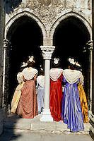 France, Provence, Bouche du Rhone, Arles, Fête du Costume, Arlesienne. // France, Provence, Bouche du Rhone department, ciy of Arles. Costume festival. Arlesienne woman.