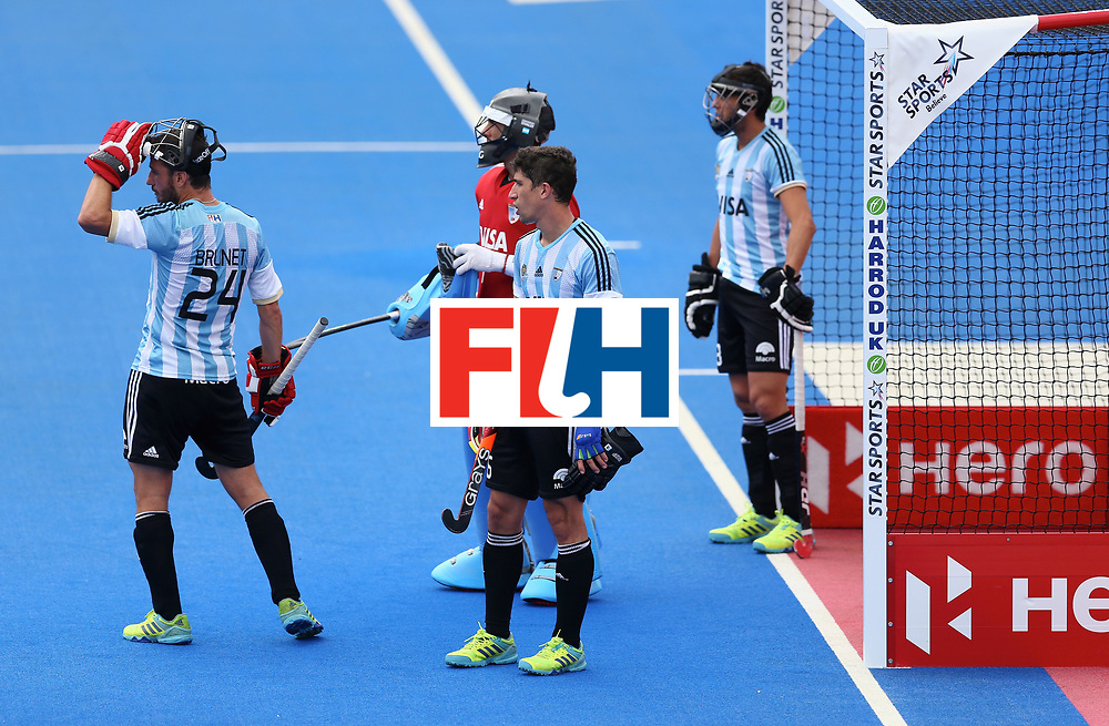 LONDON, ENGLAND - JUNE 24: Argentina players react to a penalty corner during the semi-final match between Argentina and Malaysia on day eight of the Hero Hockey World League Semi-Final at Lee Valley Hockey and Tennis Centre on June 24, 2017 in London, England. (Photo by Steve Bardens/Getty Images)