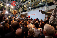 03 AUG 2009, BERLIN/GERMANY:<br /> Frank-Walter Steinmeier (L), SPD, Bundesaussenminister und Kanzlerkandidat, und Franz Muentefering (R), SPD Parteivorsitzender, Pressekonferenz nach den ersten Hochrechnungen des Wahlergebnisses der Bundestagswahl 2009, Wahlabend, Atrium, Willy-Brandt-Haus<br /> IMAGE: 20090927-02-014<br /> KEYWORDS: Franz Müntefering,