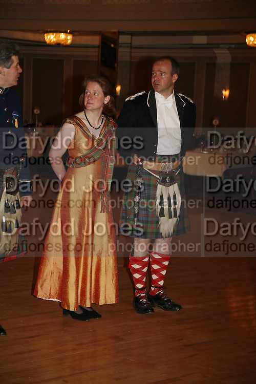 LADY MELISSA EDWARDS AND HON JOHN DRUMMOND OF MEGGINCH, The Royal Caledonian charity Ball 2006.Grosvenor House. London. 5 May 2006. . ONE TIME USE ONLY - DO NOT ARCHIVE  © Copyright Photograph by Dafydd Jones 66 Stockwell Park Rd. London SW9 0DA Tel 020 7733 0108 www.dafjones.com
