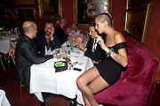 JAMIE HINCE; ALICE DELLAL, Dinner hosted by Elizabeth Saltzman for Mario Testino and Kate Moss. Mark's Club. London. 5 June 2010. -DO NOT ARCHIVE-© Copyright Photograph by Dafydd Jones. 248 Clapham Rd. London SW9 0PZ. Tel 0207 820 0771. www.dafjones.com.
