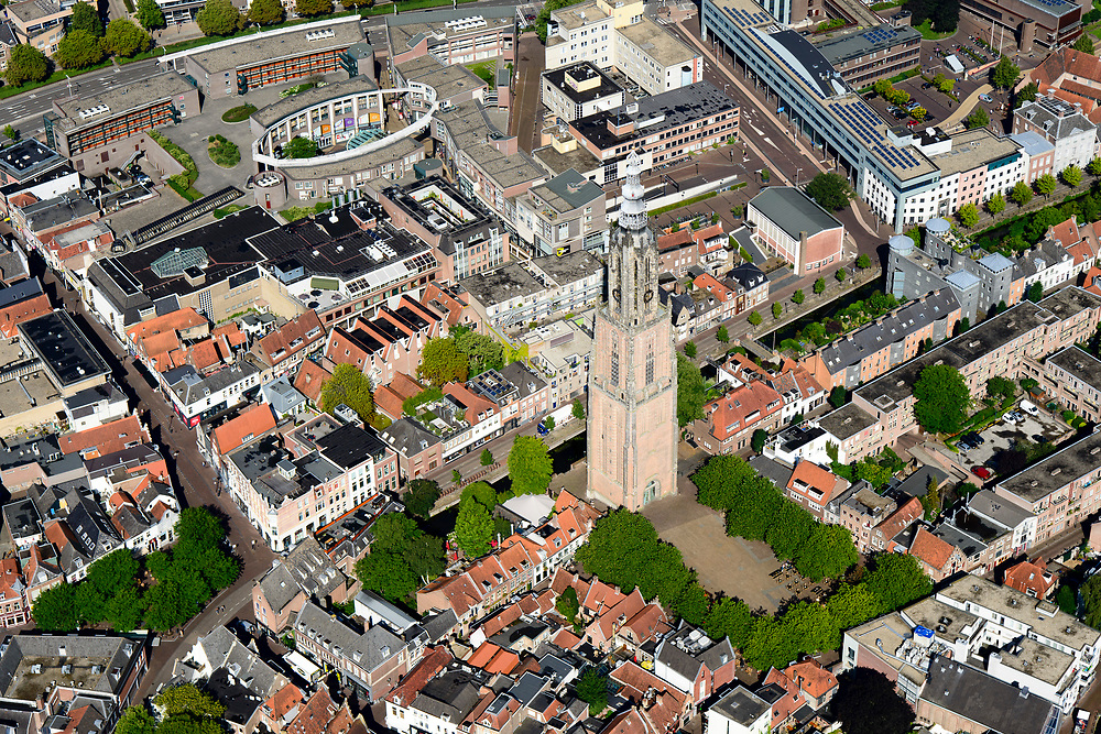 Nederland, Utrecht, Amersfoort, 17-07-2017; centrum Amersfoort met als bezienswaardigheden het winkelcentrum SInt-Jorisplein en de Onze Lieve Vrouwetoren.<br /> Center of Amersfoort and within the Stadsring and historical sights.<br /> <br /> luchtfoto (toeslag op standard tarieven);<br /> aerial photo (additional fee required);<br /> copyright foto/photo Siebe Swart