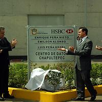 Chapultepec, Mex.- Enrique Peña Nieto, gobernador del esatdo de México y Emilson Alonso, presidente de HSBC de América Latina y el Caribe, inauguraron el centro de datos Chapultepec de esta institución financiera. Agencia MVT / José Hernández. (DIGITAL)<br /> <br /> <br /> <br /> NO ARCHIVAR - NO ARCHIVE