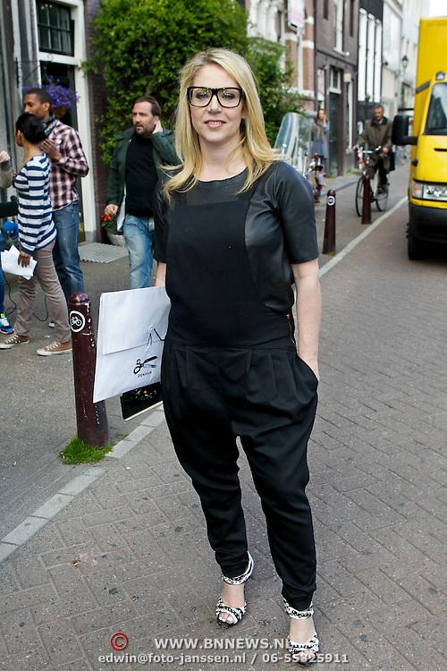 """NLD/Amsterdam/20100421 -  Presentatie Bastiaan van Schaik boek """"Koken met Modellen"""", Fiona Hering"""